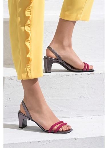Elle Kalın Topuklu Deri Sandalet Fuşya